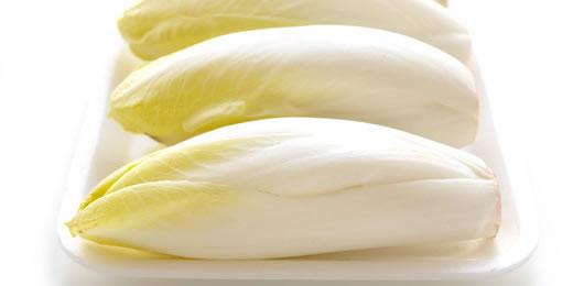 Para controlar la acumulación de grasa la ensalada amarga es perfecta